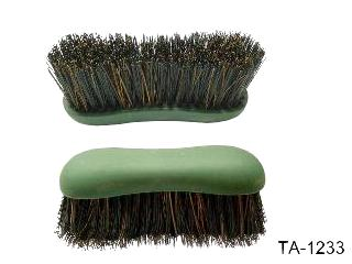 TPR  DANDY BRUSH