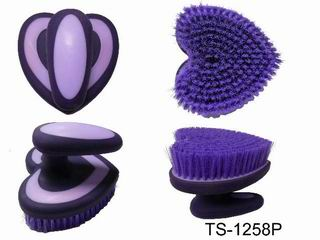 HEART SHAPE BRUSH