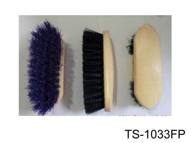 PLASTIC LARGE DANDY BRUSH